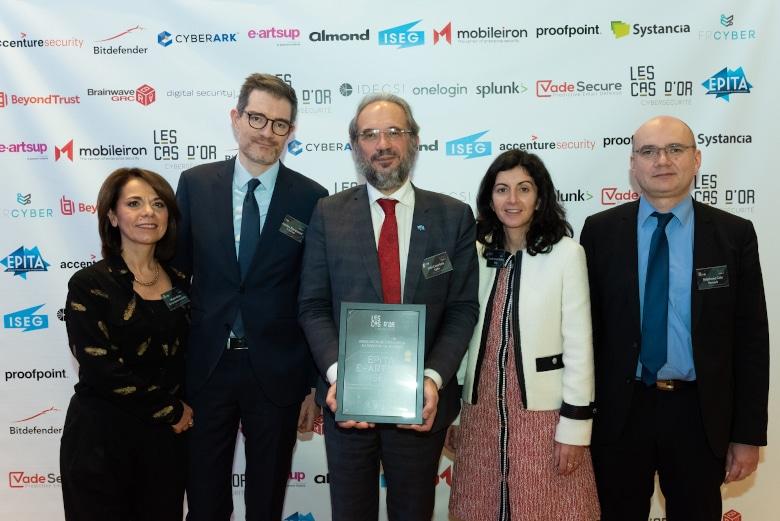 Cas d'OR de la Cybersécurité 2019 : l'EPITA récompensée pour Internet is a Biche !