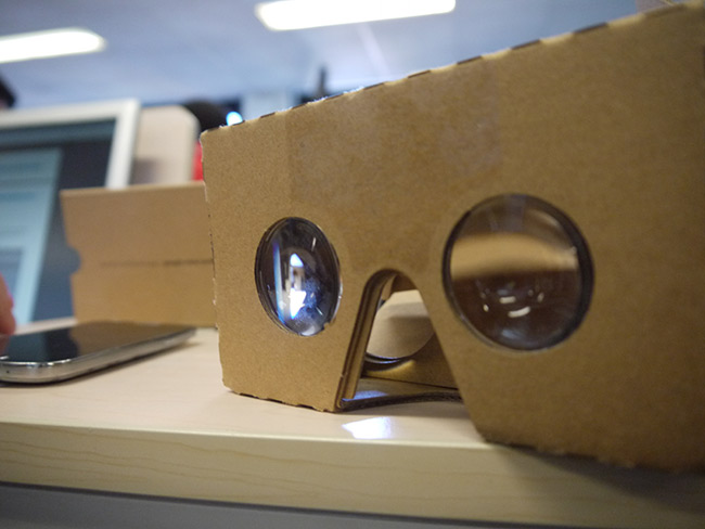 piscine_2016_etudiants_epita_cycle_ingenieur_atelier_realite_virtuelle_innovation_google_cardboard_retour_ecole_03.jpg